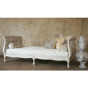 Clingancourt Daybed 86W/44D/33H