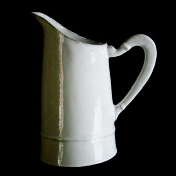 Simple Pitcher 10in