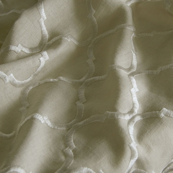 03. Oyster Embroidered Ornella Natural