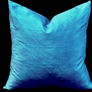 39. Dupioni Cushion Azure 18SQ