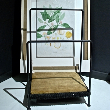 01W/40H  Art Rack 20W/22D/40H Black Iron