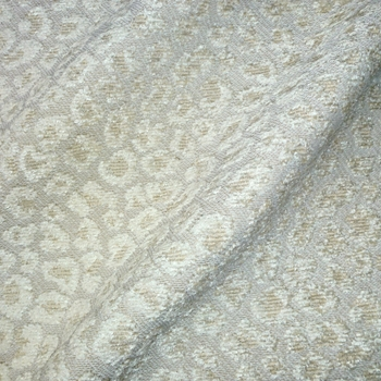 02. Ivory Chenille Jacquard Spots Snow