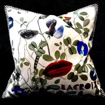 51. Dame Nature Cushion 16SQ
